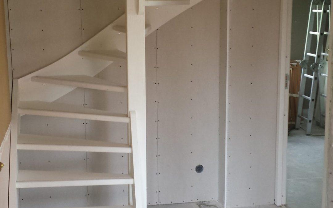 Van bergzolder met Vlizotrap naar tweede verdieping met vaste trap